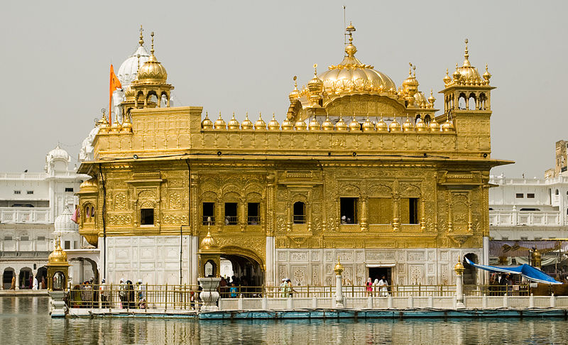 800px-Golden_Temple,_Amritsar
