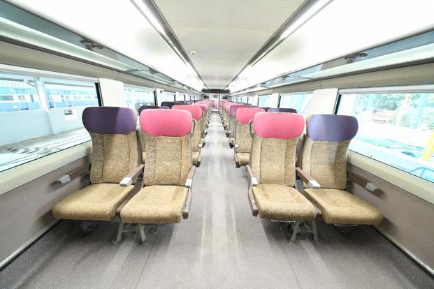 train18 interior