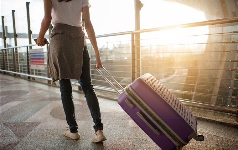 woman-solo-traveling