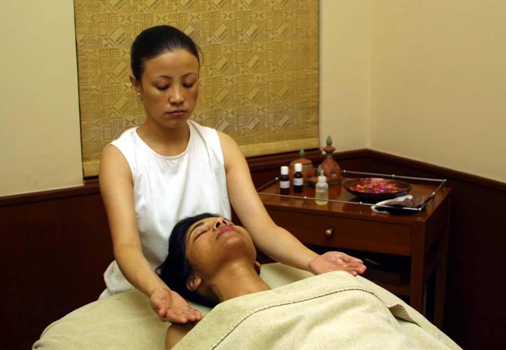 Aromatherapy Massage at Ananda Spa Resort Rishikesh India