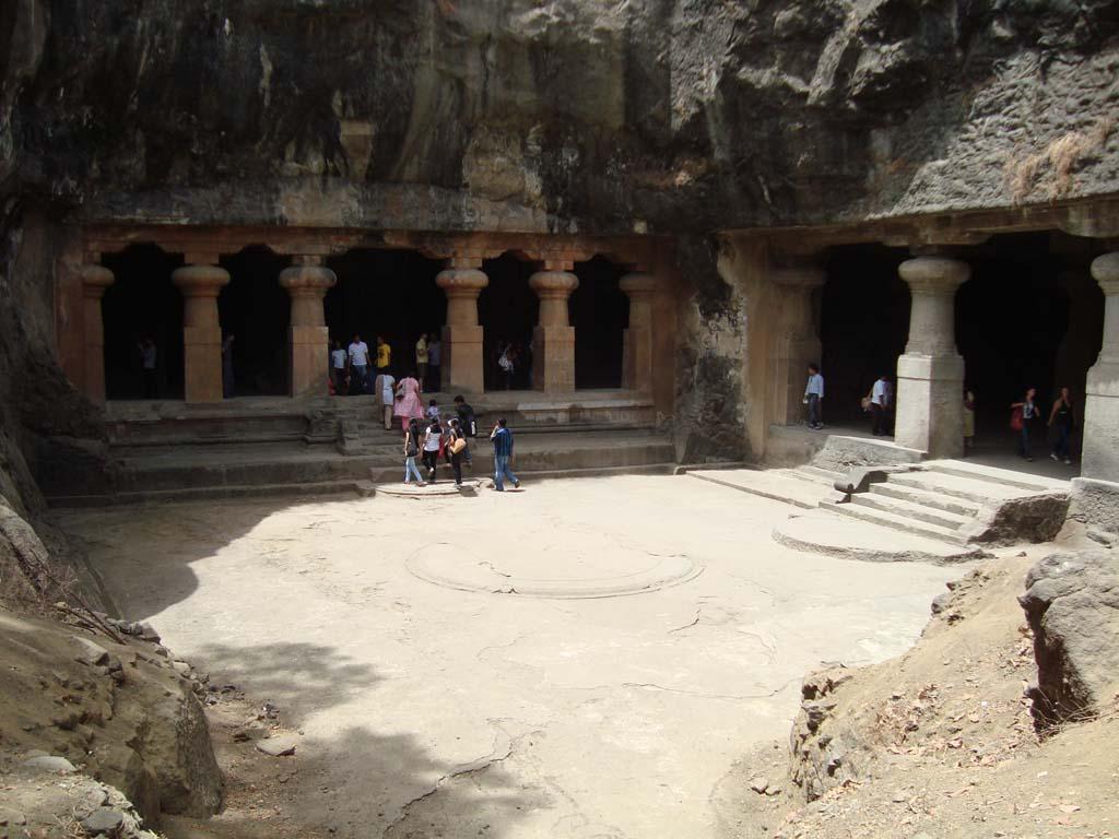 Hotels Near Elephanta Caves